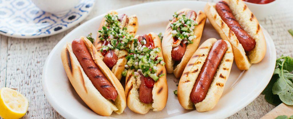 en iyi hot dog tarifi için yaratıcılığınızı kullanın